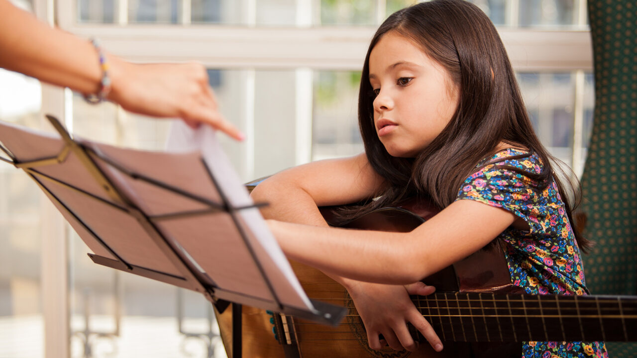 https://revolutionmusicint.com/wp-content/uploads/2020/09/Childhood-Music-1-Music-promotes-learning-languages-1280x720.jpg